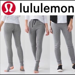 Lululemon savasanah gray stirrup sweater legging 8
